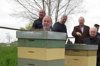 """""""Hai unha demanda crecente de mel e Galicia ten un gran potencial"""""""