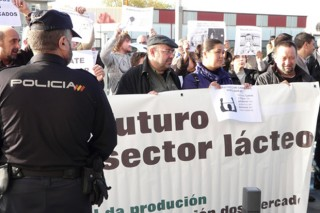 A OPL apraza as mobilizacións para negociar convocatorias unitarias