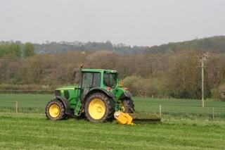 Os tractores usados duplican o seu peso no mercado de maquinaria agrícola