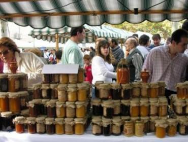 Os apicultores galegos mobilizaranse para pedir que remate a fraude na etiquetaxe do mel