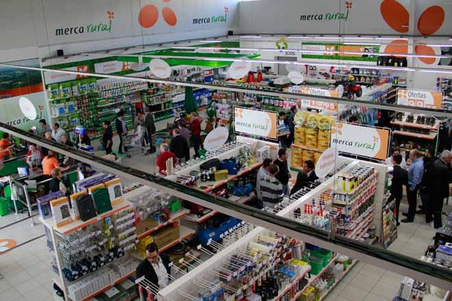 La cooperativa O Val se prepara para la apertura de su tienda Mercarural