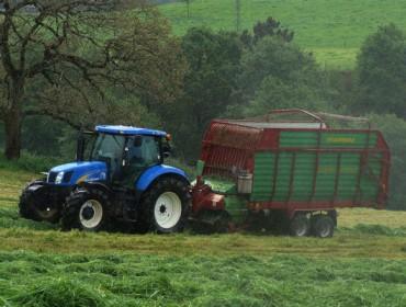 Gandeiros e agricultores recibirán un 12% menos de axudas europeas na próxima PAC 2021-2027