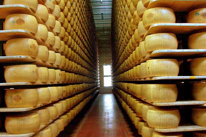 España arrastra un déficit de 200.000 toneladas en productos lácteos industriais