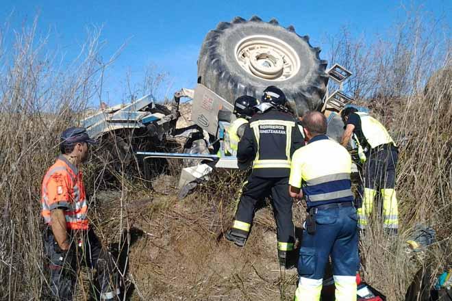 A sinistralidade laboral no sector agrogandeiro e forestal caeu en Galicia un 16% no 2020