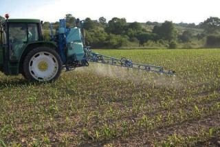 A produción agrícola que vén: usar a metade de pesticidas e antibióticos, un 20% menos de fertilizantes e triplicar a superficie ecolóxica en 10 anos
