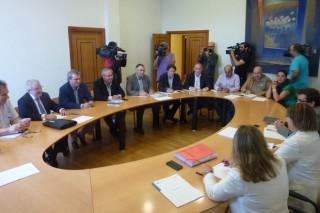 LaXuntaanuncia una moratoria de dos años en los préstamos para unas 1.100 explotaciones lácteas