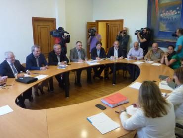 A Xunta anuncia unha moratoria de dous anos nos préstamos para unhas 1.100 explotacións lácteas