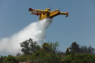 Aprobada unha iniciativa no Parlamento para impulsar a loita contra os incendios forestais