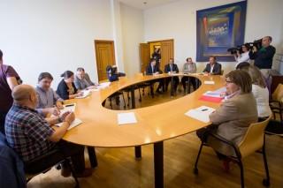 La industria da plantón a la primera reunión del sector lácteo gallego