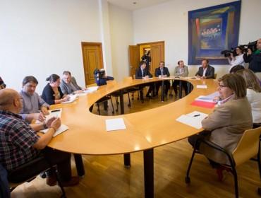 A industria da plantón á primeira reunión do sector lácteo galego