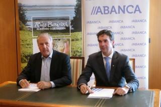 Rías Baixas firma un convenio con Abanca para cumprir os prazos de pagamento da uva