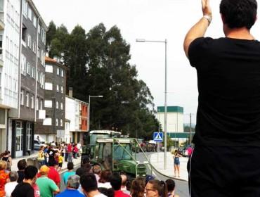 Multitudinaria tractorada en Arzúa e Melide en defensa da gandaría