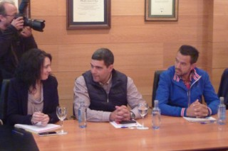 Os gandeiros de Agromuralla reúnense esta tarde coa conselleira en Santiago