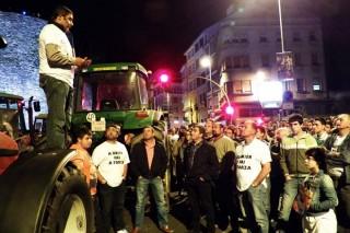 Lugo desmárcase con divisións do bloqueo á industria