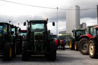La crisis de precios de la leche abre el debate sobre el recorte de la producción