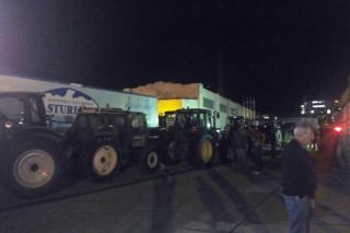 As primeiras imaxes do bloqueo ás industrias lácteas