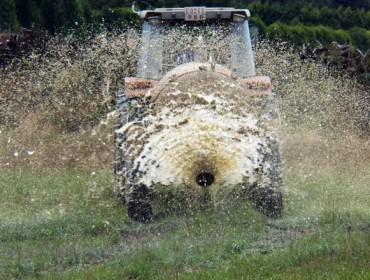 Decreto de purines: Galicia decide permitir esparcirlos mediante sistemas de abanico y penalizar la aspersión con cañón