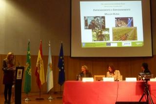 """Xornadas de AGACA e """"la Caixa"""" para pór de relevancia á muller rural"""