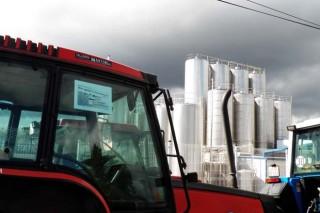 A importación de leite baixou á metade os dous últimos anos