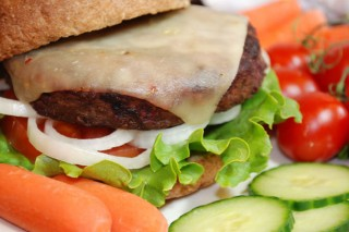 Verdades e falsidades da alerta que liga a carne co cancro