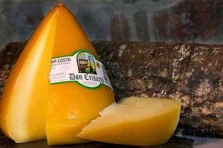 Don Crisanto recibe o premio ao mellor queixo madurado de vaca de España