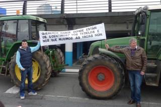 Los ganaderos ampliarán este sábado el bloqueo al Alcampo de A Coruña