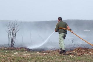 Permítense as queimas de restos agrícolas a partir do luns 11 e reactívase a pesca fluvial