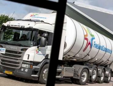 As industrias lácteas sosteñen que os excedentes europeos presionan ó sector en España