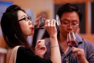 """Temen que o coronavirus provoque consecuencias """"nefastas"""" no sector do viño"""