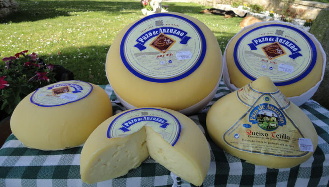 Pazo de Anzuxao: queixo directo da fábrica ao consumidor