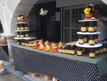 Este sábado celébrase a Feira Apícola das Rías Baixas e o Bee Happy Market