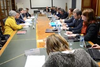 A limitación voluntaria da produción de leite en España, á espera de fondos públicos