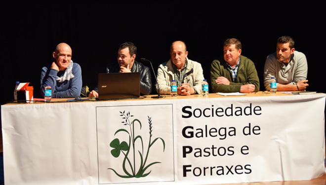 Ejemplos de ganaderías gallegas que producen leche a bajo coste