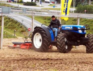 Demostración de tractores New Holland en Rías Baixas