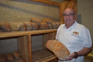 """""""Hai fornos de Pan de Cea que venden fóra de Galicia o 80% da súa produción"""""""