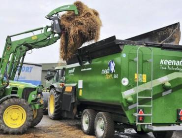Alltech presenta en Galicia a Keenan, el carro mezclador especial para hierba
