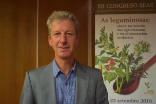 """""""É positivo que os grandes supermercados e industrias entren na agricultura ecolóxica"""""""