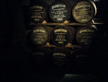 O castiñeiro galego mide a súa valía para envellecer o whisky irlandés