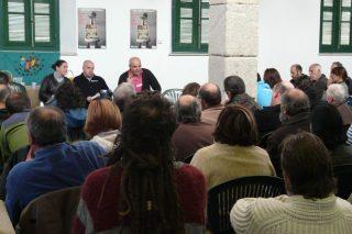 Un cento de persoas dialogan en Betanzos sobre a agroecoloxía como alternativa viable e necesaria á agricultura industrial