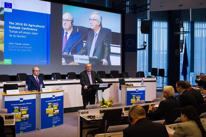 A Comisión Europea avanza recortes nas axudas da PAC a partir do 2021