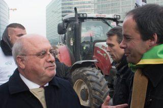 Protestas en Bruxelas contra a desregulación do sector lácteo