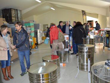 Las últimas novedades en la lucha contra la Vespa Velutina y la varroa se presentarán el próximo sábado en Arzúa