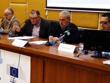"""""""As explotacións lácteas galegas deberían duplicar a súa superficie de terras"""""""