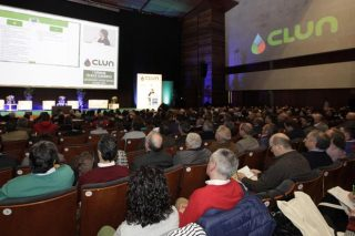 Clun escenifica a aposta pola unión cooperativa nun gran acto en Santiago