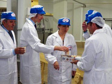 Larsa presenta a remodelación executada na súa planta de Vilagarcía