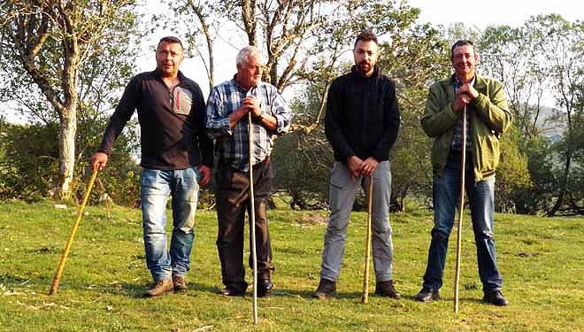 Os gandeiros Amadeo Fernández, José Méndez, Hugo Trabado e José Antonio Díaz.