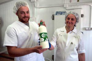 Lácteos Conchy é unha das poucas ganderías galegas que vende leite cru