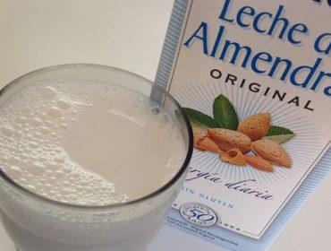 """A xustiza europea considera fraudulento chamar """"leite"""" ás bebidas vexetais"""