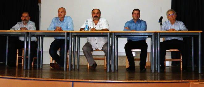 Mesa de debate das xornadas de Iniciativas Comunales.