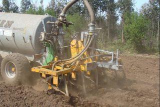 Unións Agrarias advierte de que la inyección de purín es inviable en las granjas gallegas